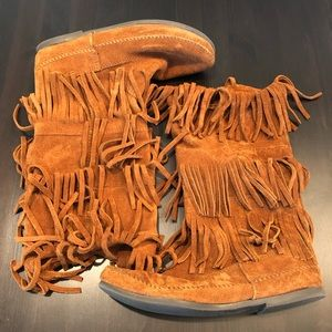 Minnetonka. Fringe boots. A festival must have.